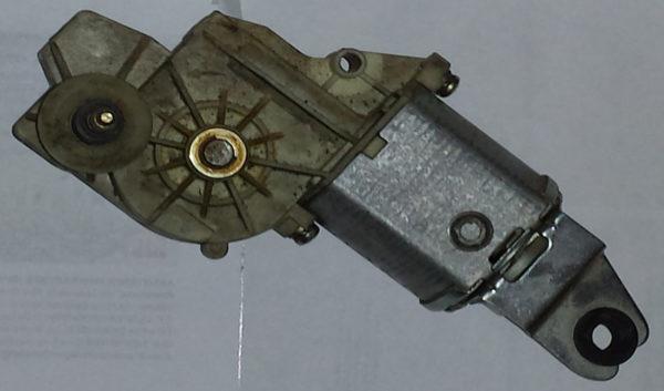 Vendo motorino tergicristallo posteriore Magneti Marelli