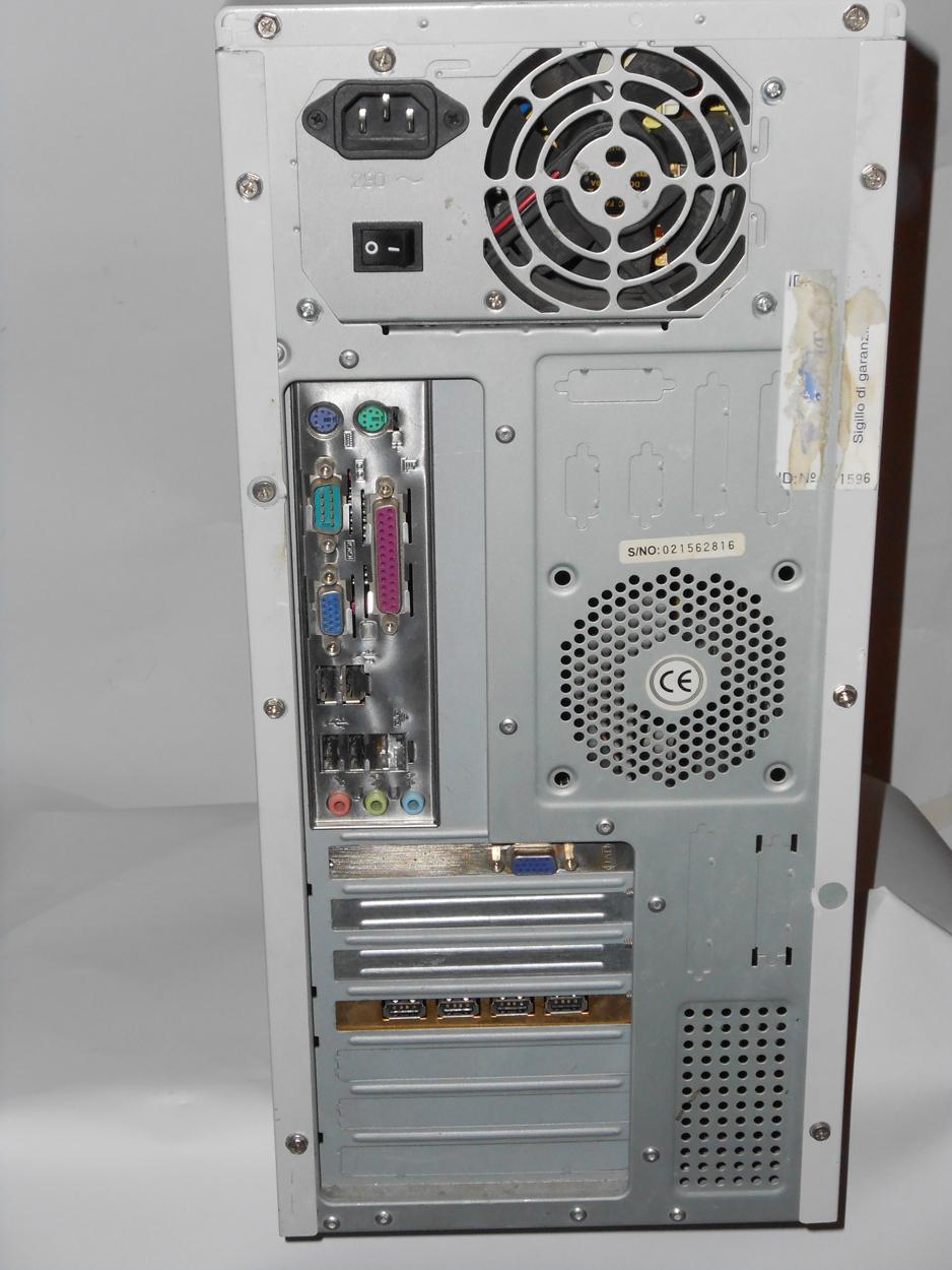 Vendo Desktop Memoria Asus con sistema operativo