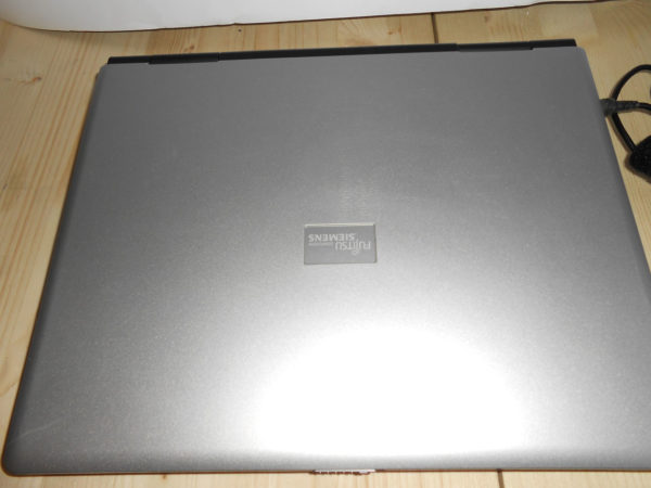 Vendo notebook Fujitsu Siemens Amilo A7640W